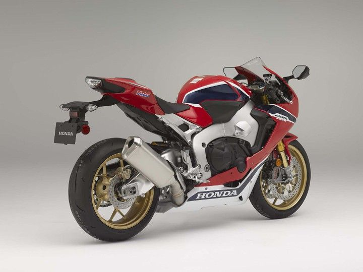 Click image for larger version  Name:2017-honda-cbr1000rr-sp two.jpg Views:1 Size:47.1 KB ID:8719