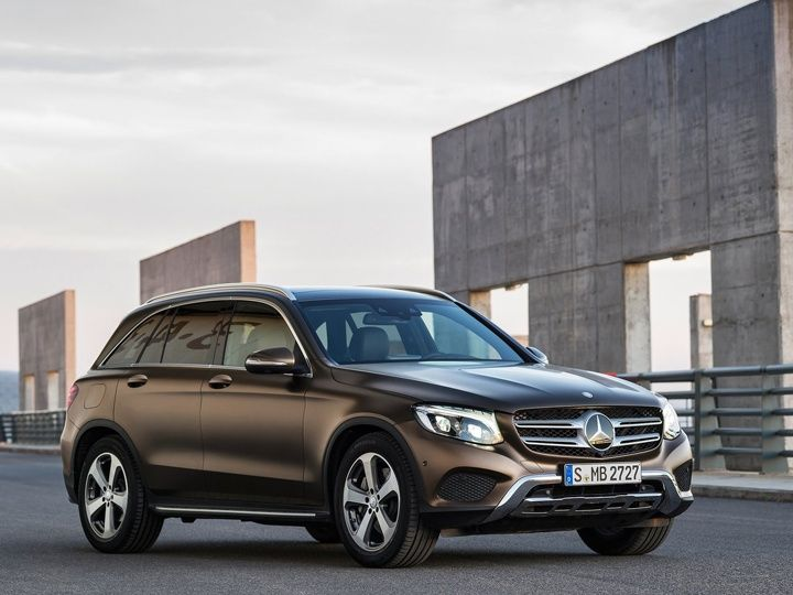 Click image for larger version  Name:mercedes-benz-glc-unveil-2016-auto-expo-zigwheels-31012016-m_720x540.jpg Views:1 Size:56.6 KB ID:1620