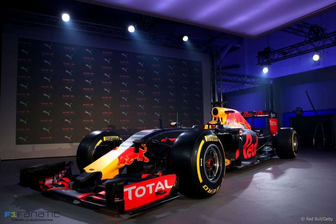 Click image for larger version  Name:red-bull-2016-livery-launch-3.jpg Views:1 Size:107.0 KB ID:2407