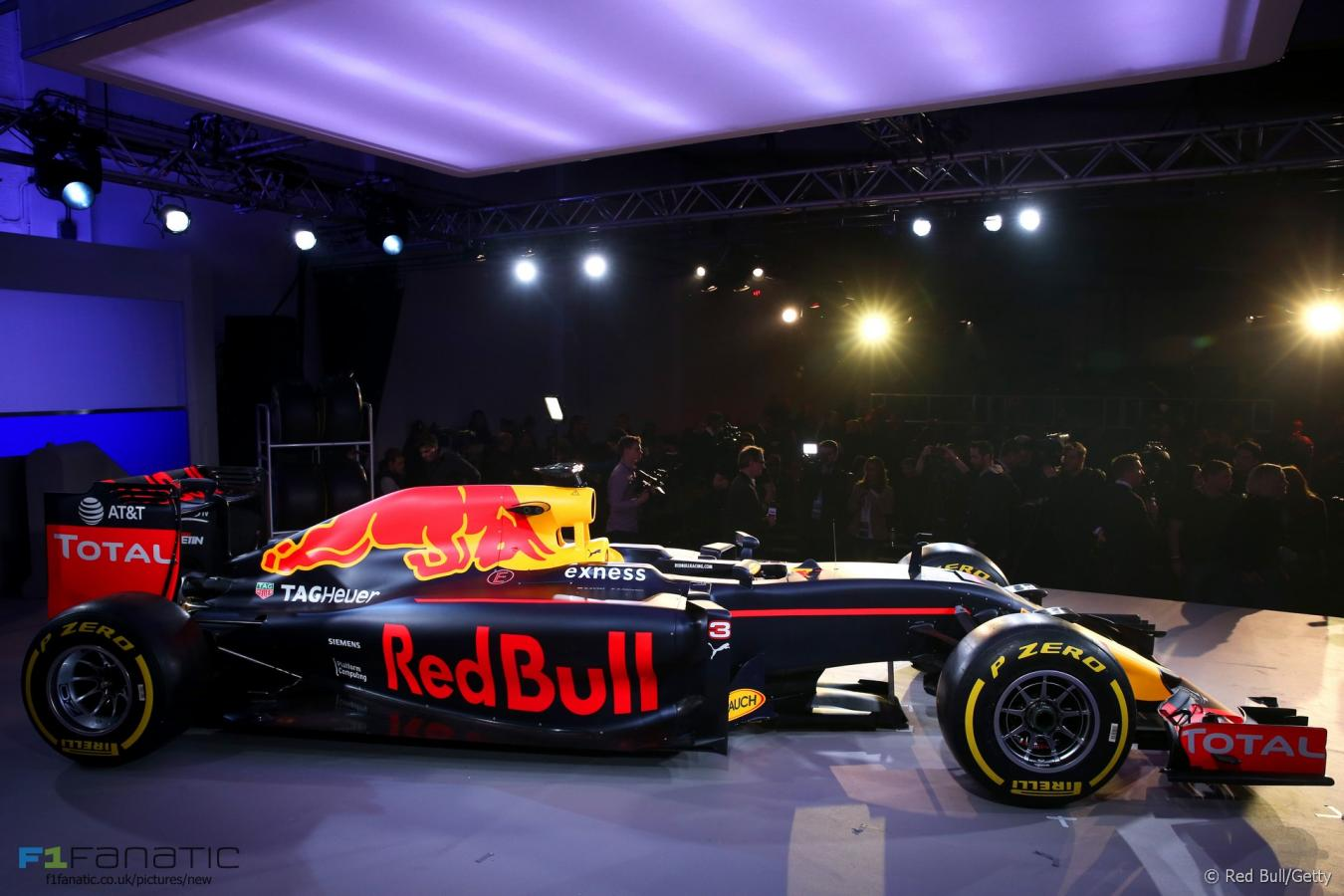 Click image for larger version  Name:red-bull-2016-livery-launch-5.jpg Views:1 Size:113.5 KB ID:2408