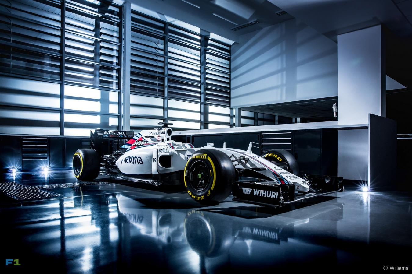 Click image for larger version  Name:williams-fw38-3.jpg Views:1 Size:169.1 KB ID:2409